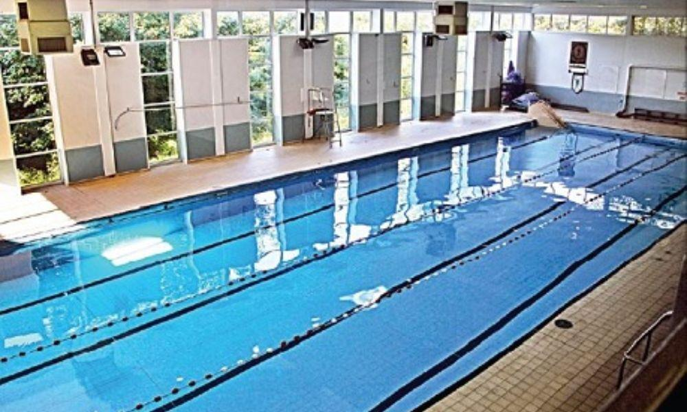 Pembroke swimming pool west wales family life - Woodlands swimming pool opening times ...